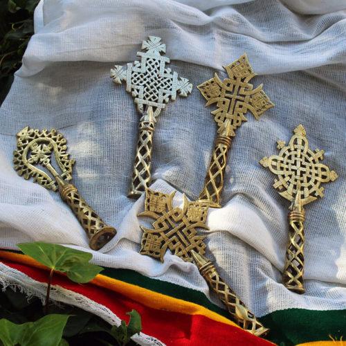 Cruces de metal